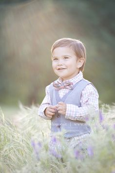 toddler photoshoot, toddler in bow tie and vest, toddler photoshoot outfit, shan cait photography