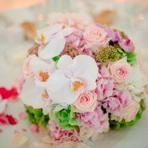 Centre table boule de fleurs pastel - Reflets Fleurs mariage