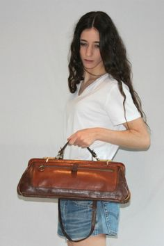 Vintage Retro 70s Brown Leather Bag