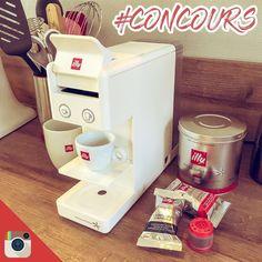 #Concours On attaque 2018 avec un bon café ? Dîtes moi en commentaire comment vous aimez le boire ? Long court serré avec une pointe de crème ? Abonnez-vous à mon compte @olivier.moulin et invitez 2 ami(e)s à participer pour tenter de remporter cette machine @illy_coffee Y3 . . . . . . . #illyCoffeeResolutions #LIVEHAPPilly #cafe #food #blog #contest #papaencuisine
