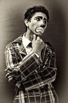 Sad Clown by Nicola Okin Frioli, via Behance Circus Makeup, Clown Makeup, Clown Photos, Circus Aesthetic, Pierrot Clown, Es Der Clown, Dark Circus, Cute Clown, Vintage Clown