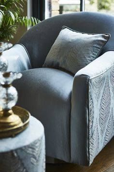 Prestigious Textiles have been designing beautiful interior fabrics and wallpapers for over 30 years. Choose from the UK's widest range of upholstery, cushion and curtain fabrics. Prestigious Textiles, Stunning Wallpapers, Maximalism, Dark Walls, Fabric Suppliers, Curtain Fabric, Deep Purple, Color Trends, Pantone