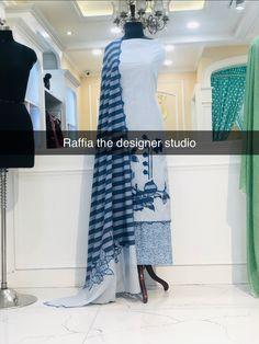 Punjabi Wedding Suit, Wedding Suits, Embroidery Suits, Embroidery Patterns, Long Kurti With Jeans, Designer Punjabi Suits Patiala, Boutique Suits, Cotton Salwar Kameez, Saree Look