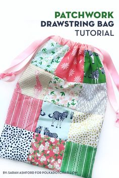 How to make a drawstring patchwork bag out of precut charms of fabric. Use up some of your pre-cut fabric squares with this patchwork drawstring bag tutorial. It's pre-cut friendly & a great scrap fabric project Sewing Blogs, Sewing Hacks, Sewing Tutorials, Sewing Tips, Bags Sewing, Fabric Bags, Fabric Scraps, Fabric Basket, Drawstring Bag Tutorials