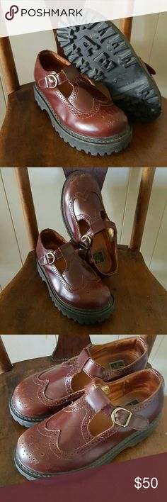 Vintage American Eagle Oxford Mary Janes Brown chunky Oxford Mary Jane brass hardware. Pre-loved, scuffing on toes as pictured. American Eagle Outfitters Shoes