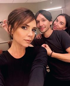 5 beauty looks to copy this weekend Victoria Beckham Makeup, Style Victoria Beckham, David Et Victoria Beckham, Victoria Beckham Outfits, Victoria Style, Vic Beckham, Bend It Like Beckham, Grace Elizabeth, Selena Gomez