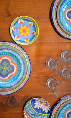 Out + Outfit hosts a fiesta using our Riviera Melamine Dinnerware. Click to get her tips!