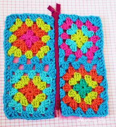 abuelita bolsa cuadrada s cremallera paso 5 paso a paso Crochet Granny Square Zippered Pouch Tutorial Granny Square Crochet Pattern, Crochet Granny, Crochet Motif, Crochet Stitches, Crochet Patterns, Love Crochet, Crochet Baby, Knit Crochet, Easy Crochet