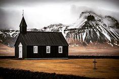 @shootcamp posted to Instagram: The Black Church at Budir, Snaefellsnes, Iceland - what a beautiful view with these mountains in the background 😍 by @sonjai . Du möchtest auch gefeatured werden? Benutze unseren Hashtag #shootcamp. Wir freuen uns auf eure atemberaubenden Bilder! . #wolkenstimmung#cloudporno #wolkenhimmel #islande#islanda #iceland🇮🇸#iceland_photography #budiriceland#blackchurch #landscapearchitecture#landschaftsfotografie #fotoreiseisland#fotoreiserei #shootcamp Black Church, Iceland, Camping, Mountains, House Styles, Photography, Beautiful, Instagram, Scenery Photography
