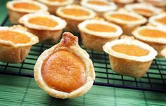 Thanksgiving pumpkin pie bites by Bakerella