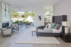 Two-story contemporary pad in LA: Oakwood Residence