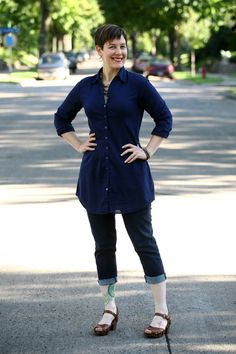 Already Pretty outfit featuring Eileen Fisher navy tunic, cropped jeans, Miz Mooz sandals, Dana LeBlanc agate necklace