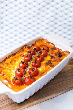 Jag hittade ett gammalt recept i Året Runt som jag blev inspirerad av och bestämde mig för att ha som grund för mitt eget recept. Istället för ris i botten så hade jag blomkålsris. Det blev väldigt gott! En riktig fredagsrätt eller bjudrätt! Jag ogillar generellt bitar av soltorkade tomater så jag använder creme istället (Röd […]