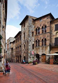 San Gimignano, Siena, Tuscany, Italy (via Italia)