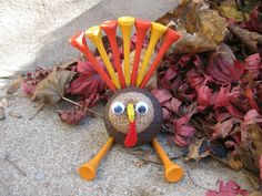 Golf Ball Crafts Craft Klatch: Golf Ball Turkey Craft for Thanksgiving Thanksgiving Crafts, Christmas Crafts, Thanksgiving Table, Christmas Holidays, Golf Ball Crafts, Golf Art, Turkey Craft, Perfect Golf, Create And Craft