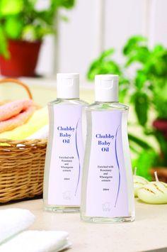 Chubby Baby Oil Búzacsíra-, napraforgómag-, zsurló és mirha-kivonatot tartalmazó bőrtisztító olaj a baba bőrének tisztítására. Megakadályozza a berepedéseket és a bőr kiszáradását, különösen a hajlatokban és gyűrődésekben. Felnőtteknek is ajánlott a smink eltávolítására, és a könyök, sarok felpuhítására. http://marticafe.dxn.hu/termekek