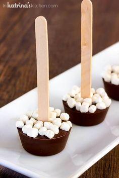 Hot Chocolate Sticks Hot Cocoa on a Stick Recipe Chocolate Sticks, Chocolate Spoons, Hot Chocolate Mug, Homemade Hot Chocolate, Hot Chocolate Recipes, Hot Cocoa Spoons Recipe, Chocolate Bark, Hot Cocoa Bar, Hot Cocoa Mixes