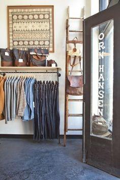 En California encontramos esta tienda espectacular de complementos masculinos con una estética fiel a sus raíces americanas  http://decoratualma.blogspot.com.es/2014/03/con-olor-cafe-molido.html