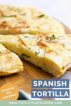 This Spanish Omelette (Spanish Tortilla) is an easy, kid-friendly recipe that can be enjoyed for breakfast, lunch or din Healthy Meals For Kids, Easy Healthy Breakfast, Kids Meals, Breakfast Recipes, Healthy Recipes, Healthy Food, Healthy Lunches, Breakfast Ideas, Family Meals