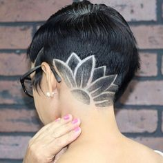 Pin by Britney Dyer on Shaved hair designs in 2019 Undercut Long Hair, Undercut Women, Shaved Undercut, Undercut Hairstyles Women, Undercut Pompadour, Fast Hairstyles, Shaved Hairstyles, Unique Hairstyles, Haare Tattoo Designs