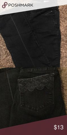 Denim jeans with back pocket embellishment! Good condition, smoke free home, nothing wrong with them, I just don't fit them anymore. Open to reasonable offers!💕 Jeans Boot Cut