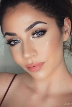 35 Simple Everyday Makeup Looks for Any Season; Daily makeup; easy everyday makeup looks; natural makeup looks.