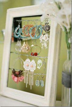 recycling wood frame for jewelry organizer; riutilizzare una vecchia Cornice come porta orecchini