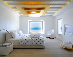 Let us introduce a unique boutique hotel in the Cyclades with a contemporary and creative angle. Minimalist Interior, Minimalist Decor, Mykonos Luxury Hotels, Cavo Tagoo Mykonos, Photo Room, Pool Lounge, Hotel Website, Hotel Bed, White Rooms