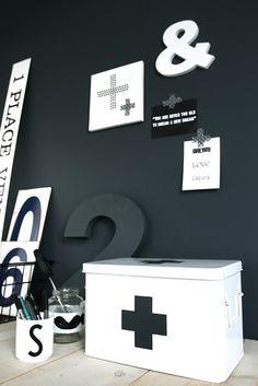 http://ensuus.blogspot.hu/2012/12/cross-at-my-attic-happy-ny.html
