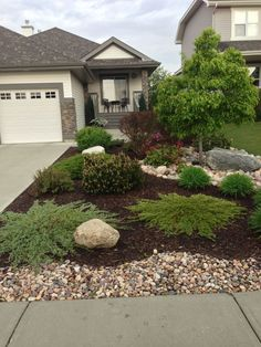 Gorgeous Front Yard Landscaping Ideas 53053 love the mulch and river rock design