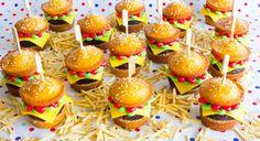 Binnenkort een kinderfeestje? Maak dan deze geweldige hamburger cupcakes…