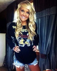 Cute style and hair <3