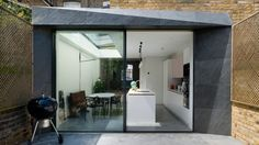Architecture For London uses slate and brick for London house extensions Brick Extension, House Extension Design, Glass Extension, House Design, Side Extension, Extension Ideas, Extension Google, Melbourne House, London House