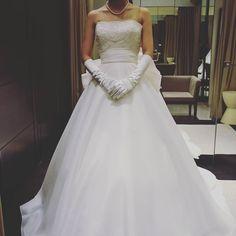 着ないドレスオーガンジーでボレロ付き ハワイレンタル出来るとこも良かった #ハワイレンタル#ハワイ挙式#ハワイウェディング#テラスバイザシー#オーガンジー#ウェディングドレス#プレ花嫁 by eak_wedding