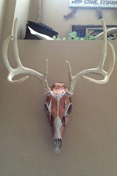 Deer Skull / Rhinestone / European Mount / Rustic Home Decor / Deer Skull Decor, Cow Skull Art, Deer Art, Deer Skulls, Animal Skulls, Bull Skulls, Skull Crafts, Antler Crafts, Antler Art