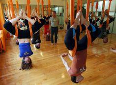 Curioso e Espetacular: Yoga antigravidade