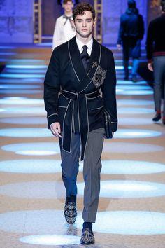 Dolce & Gabbana #VogueRussia #menswear #fallwinter2018 #DolceGabbana #VogueCollections
