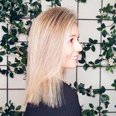 🐉 Khaleesi hair conseguido con babylight en tonos hielo ❄️ por nuestro estilista @inigoescalera. 💛✨ ¡Nos encanta! #andressasantana