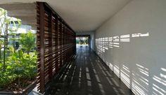Stunning light..., Khadakvasla House in India by Spasm Design Architects