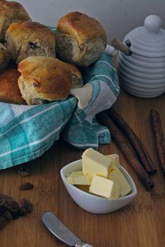 Σταφιδόψωμο με μέλι και καρύδι ( χωρίς ζάχαρη) - Elena's Cooking New Recipes, Sweet Recipes, How To Make Cake, Deserts, Sweets, Snacks, Cookies, Baking, Breakfast
