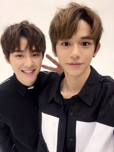 "nctinfo:  """"smrookies: We are KUNCAS✌ #SMROOKIES #KUN #LUCAS #SR17B  ""  ""Translation: Teddy @ FY! NCT (NCTINFO) 