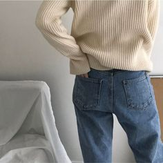 Fashion | simple + minimal fashion. Nude knit sweater and cute baggy mom jeans. Minimalist inspiration!
