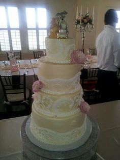 Wedding cakes at simply irresistible events!!!