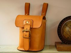 Vegetable tanning leather belt pouch made by japanese craftman[nouki]