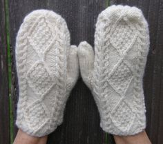 Vintage IRISH CREAM Handknit Aran Mittens by yardofgoods on Etsy, $14.00