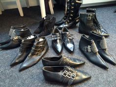 amazing winkle pickers...  Kickstarter reward: REAL 80s/early 90s GOTH BOOTS