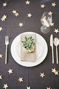 starry place setting | b.loved | www.getmarried.com