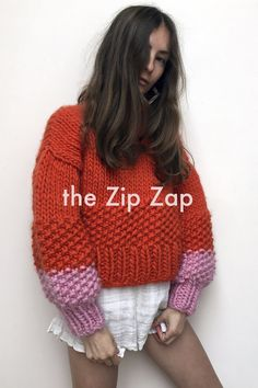 The Zip Zap — the Knitter. Knitting Stitches, Hand Knitting, Knitting Patterns, Big Knit Blanket, Big Knits, Winter Mode, Knitted Bags, Knitwear, Knit Crochet