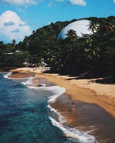 """""""Thanks @cesar_cp3 Domes Beach, Rincón, Puerto Rico  AMA TU ISLA NO LA DESTRUYAS, DEJALA MEJOR DE COMO ESTABA, PARA QUE…"""""""