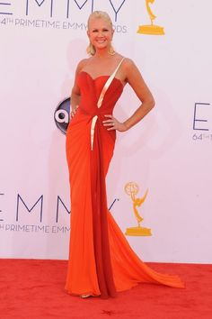 Nancy O'Dell at event of The 64th Primetime Emmy Awards